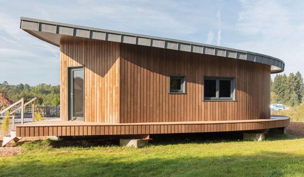 maison en bois torréfié